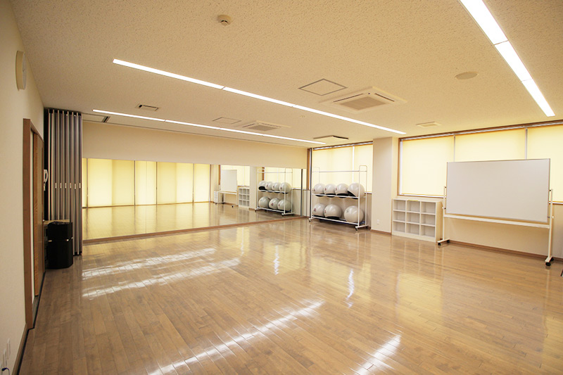 研修室2(スタジオ)